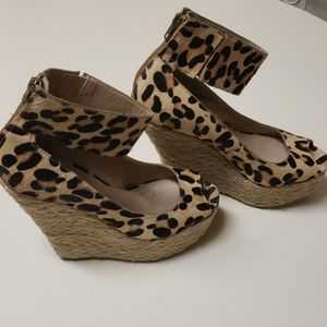 Steve Madden fur wedge shoe